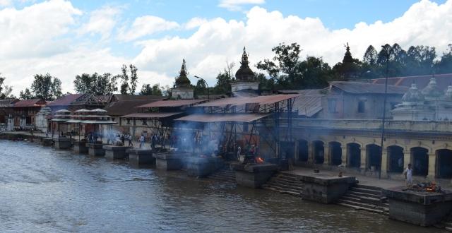 cremation ghats at pashupatinath